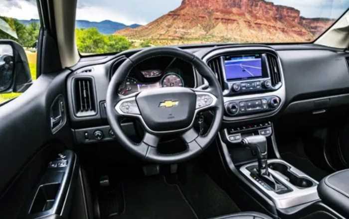 2022 Chevrolet Colorado Interior